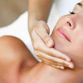 el-masaje-intrabucal-tambien-puede-acabar-con-el-bruxismo-foto-freepik