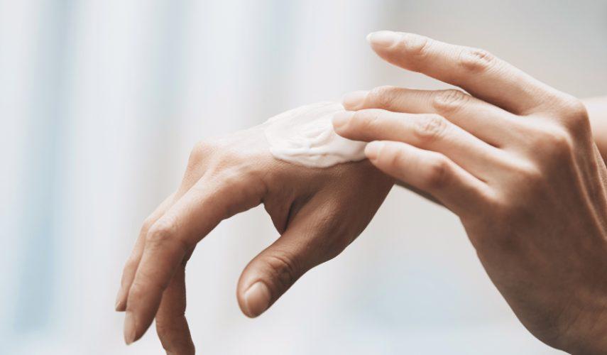 Cómo evitar la sequedad en las manos producida por el gel desinfectante