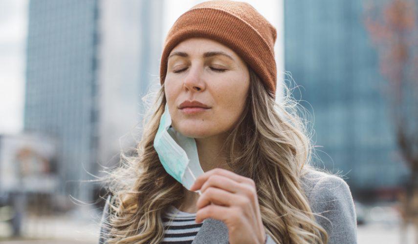 La solución al 'Maskné', el acné provocado por el uso de las mascarillas